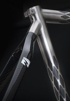This looks like it is a shot of a Holland ExoGrid® Bicycle. The frame is made of titanium and carbon fiber--just beautiful! Paint Bike, Bicycle Painting, Bmx, Velo Design, Bicycle Design, Bike Details, Fixed Gear Bike, Automobile, Cycling Art