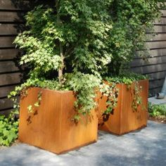 Create a stylish outdoor modern feel to your garden with these Corten Steel Planters. Yves Klein, Outdoor Planters, Planter Pots, Outdoor Decor, Outdoor Living, Garden Features, Water Features, Corten Steel Planters, Pot Jardin