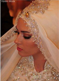 HIJAB TROUWJURKEN TESETTUR GELINLIK MODELLERI siz isteyin biz dikelim HAREM MODA HILVERSUM #hijab #trouwjurken #jurken #japonnen #bruid #bruidsjurken #kapali #gelinlik #tesettur #modelleri #modeli #mode #fashion #harem #moda #haremmoda #hollanda #amsterdam #rotterdam #belcika #prinses #prenses #gelin #damat #dugun