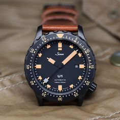Sinn Diving Watch U1 S E - The diving watch made of German Submarine Steel. Latest Watches, Best Watches For Men, Luxury Watches For Men, Cool Watches, Dream Watches, Modern Watches, Casual Watches, Sinn Watch, Diving Watch