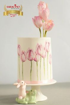 Pink tulips - cake by KatarzynkaYou can find Hand painted cakes and more on our website.Pink tulips - cake by Katarzynka Pretty Cakes, Beautiful Cakes, Amazing Cakes, Amazing Birthday Cakes, Tulip Cake, Floral Cake, Bolo Fack, Cupcakes, Cupcake Cakes