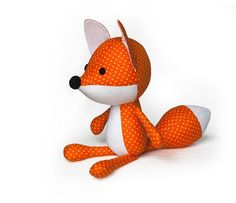 Very cute fox pattern! He is so much fun to make. The cut fox on the photo is made from cotton and felt. The pattern is suitable for any fabric!
