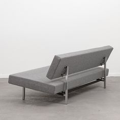 Fresh Knoll Parallel Bar sofa
