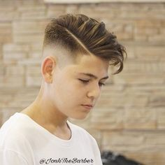 Top 50 Popular Haircuts + Hairstyles for Mens 2019 Mid Fade With Hipster Hair Tween Boy Haircuts, Boys Haircuts 2018, Kids Hairstyles Boys, Boy Haircuts Short, Modern Haircuts, Haircut Short, Hipster Haircut, Hipster Hairstyles, Hairstyles Haircuts