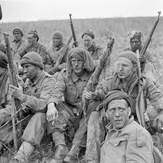 Personnel of the Canadian Infantry Division taking part in a sniper training exercise England 24 April Canadian Soldiers, Canadian Army, Canadian History, British Army Uniform, Sniper Training, Army Infantry, Man Of War, History Online, Korean War