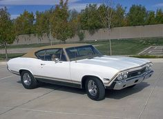 Look at the customization and trim inside this amazing Chevy Chevelle Ss, Camaro Rs, Classic Chevrolet, Chevrolet Malibu, My Dream Car, Dream Cars, Mid Size Sedan, Reliable Cars, Chevy Muscle Cars