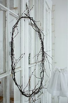 Such a simple twig wreath. Natural Christmas, Christmas Makes, Beautiful Christmas, Simple Christmas, Winter Holidays, Christmas Holidays, Christmas Decorations, Metal Coat Hangers, Twig Wreath