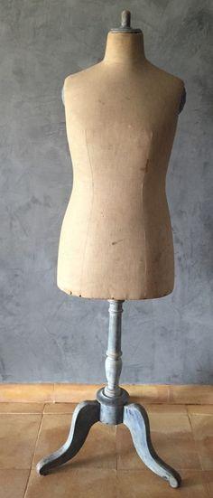 Plus de 1000 id es propos de mannequin couture sur for Mannequin de couture deco