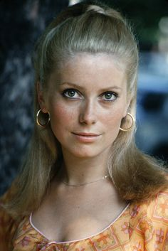 Sixties — Catherine Deneuve, Photographed by Patrice Picot,. French Beauty, Timeless Beauty, Classic Beauty, Soft Classic, Classic Hollywood, Old Hollywood, Christian Vadim, Emmanuelle Béart, Actrices Hollywood