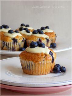 Garlic Bread, Muffins, Tej, Cheesecake, Breakfast, Cupcake, Food, Sugar, Recipes