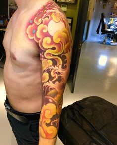 Japanese Cloud Tattoo, Japanese Dragon Tattoos, Japanese Sleeve Tattoos, Chest Tattoo Clouds, Cloud Tattoo Design, Daniel Tattoo, Full Sleeves Design, Tattoo Background, Warrior Tattoos