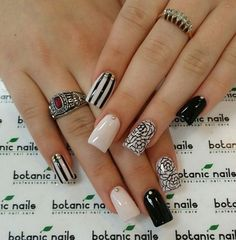 Beige Nails with Black Pattern over Nail Designs – Nail Arts - Most Trending Nail Art Designs in 2018 Beige Nail Art, Beige Nails, Nude Nails, White Nail, Black Nails, Acrylic Nails, Fabulous Nails, Perfect Nails, Gorgeous Nails