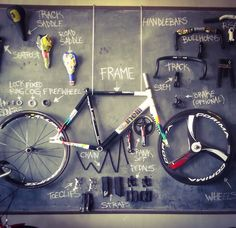 Cinelli Caleido #dealer Www.dealer-rides.com --> soon ! Urban Cycling, Urban Bike, Cycling Tips, Cycling Art, Mtb, Bike Brands, Fixed Gear Bike, Vintage Bikes, Fix You