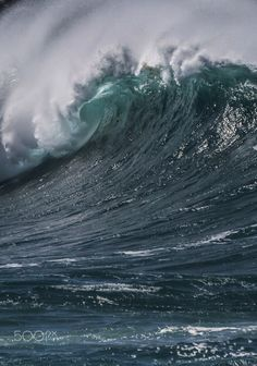 Big Waimea - A giant wave on the north shore of Oahu Hawaii