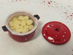 1 x Dolls House 112 Miniature Red Coloured Pan by HomepetiteHome