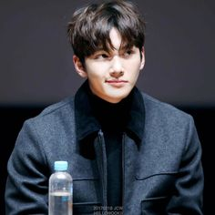 Ji Chang Wook at the Event Premiere _Fabricated City_ movie promotion at CGV Cinemas in Seoul Ji Chang Wook Smile, Ji Chang Wook Healer, Ji Chan Wook, Hot Actors, Actors & Actresses, Ji Chang Wook Photoshoot, Fabricated City, Handsome Korean Actors, Korean Star