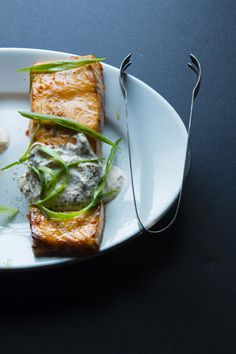 Chile-garlic broiled salmon