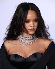 Rihanna at the DamondBalll Pintrest: badgalriirii instagram: considerationanti Please follow me 💙💦