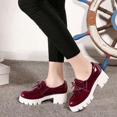 2016 Encanto de La Borla de Las Mujeres del Bowtie Dulce Zapatos de Patente de la Nueva Llegada Tacones Altos Zapotos Mujer Gruesa Suela Zapatos de Plataforma Mujer