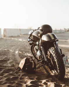 You can't escape life's struggles, but they are a lot easier when your in a cabin 60 miles away from other humans 💀 // awesome photo by… Cafe Racing, Cafe Racer Motorcycle, Motorcycle Style, Enfield Motorcycle, Cafe Bike, Classic Motorcycle, Vintage Cafe, Vintage Bikes, Vintage Motorcycles