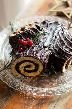 Christmas log (Buche de Noel) Original recipe and fac .- Tronchetto di Natale (Buche de Noel) Ricetta originale e facile passo passo Christmas log – (Bûche de Noël) Recipe Christmas log - Christmas Log, Christmas Dishes, Christmas Desserts, Christmas Treats, Christmas Baking, Christmas Cookies, Jelly Roll Cake, Log Cake, Food Log