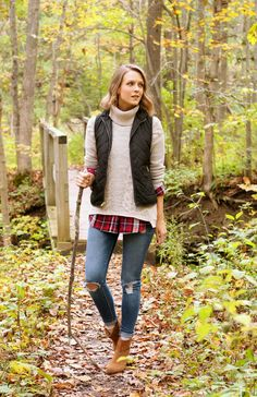 I don't like quilted vests that much but this layered outfit looks very warm and I like the colors, plus it could be cute for some weekend getaway in forest or mountains before it gets too cold for this outfit.