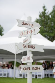 DIY Wedding signs - wooden signs for wedding