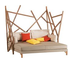 Chillaxin' on the deck in the Roche Bobois Saga Cocoon double chaise loungue...