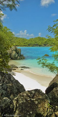 """Ahhh - I have spent time in this little spot - Hope to see it again in 2 months! A """"secret"""" section of beach at Trunk Bay, Saint John, US Virgin Islands National Park! Vacation Places, Dream Vacations, Vacation Spots, Places To Travel, Places To See, Italy Vacation, Honeymoon Destinations, Virgin Islands National Park, Us Virgin Islands"""