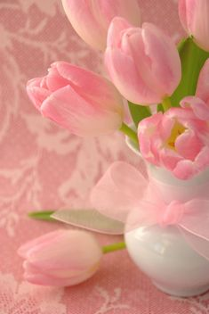Pretty in Pink Tulips: by Dianne Sherrill Images Pink Love, Pretty In Pink, Pink And Green, Pink Tulips, Pink Flowers, My Flower, Beautiful Flowers, Couleur Rose Pastel, Pastel Pink