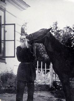 Leo Tolstoy (1828 – 1910) with Delir, his favourite horse. Early 20th century. Yasnaya Polyana Estate, Tula Province, Russia. #Leo_Tolstoy