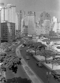 Avenida 9 de Julho no início da década de 50.