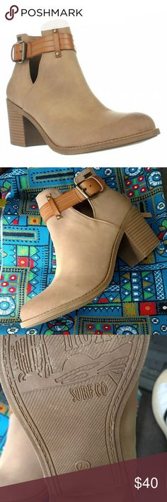 ROXY SHOE BOOTS W TASSEL ZIPPERED BACK Design as Shown Gently used Condition Heel ~~ approx 2.5 Very Comfortable Side Buckle Adjustable Scuffs minimal as Shown in pics Roxy Shoes Ankle Boots & Booties