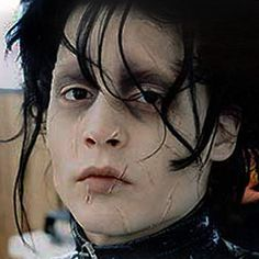 Image discovered by Saya. Find images and videos about johnny depp, edward and tim burton on We Heart It - the app to get lost in what you love. Eduardo Scissorhands, Johnny Depp Edward Scissorhands, Edward Scissorhands Makeup, Young Johnny Depp, Johnny Depp Movies, 21 Jump Street, Matt Bomer, Channing Tatum, Orlando Bloom