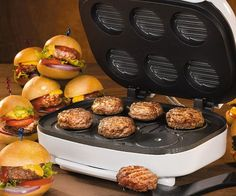 Gorge yourself on mouth-watering sliders whenever the craving strikes using the mini burger machine. The die-cast aluminum plates are specially designed to make six perfectly shaped sliders you can customize with your favorite toppings.