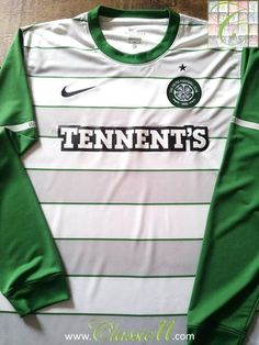 Relive Celtic's 2011/2012 season with this original Nike away long sleeve football shirt.