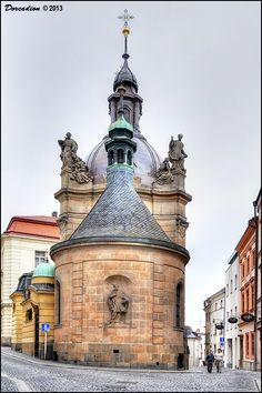 Chapel of St. John Sarkander in Olomouc (North Moravia), Czechia Sacred Architecture, Outdoor Sculpture, Places Of Interest, Capital City, Pilgrimage, Czech Republic, Prague, Europe, Barcelona Cathedral