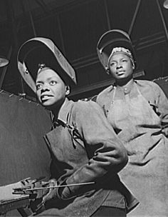 the african american rosie the riveter Pictures of African American women welders working in production work in a production plant during World War II, part of the homefront war effort. Black History Facts, Black History Month, Sisters Images, Rosie The Riveter, We Are The World, African Diaspora, Before Us, Thing 1, African American History