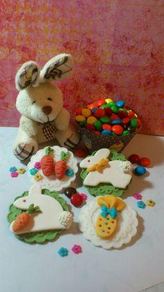 www.facebook.com/catssecretcupcakes