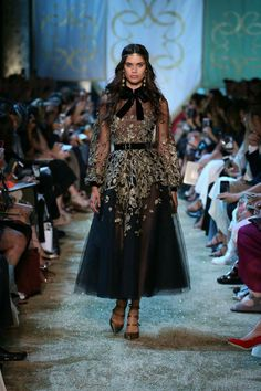 ELIE SAAB Haute Couture Autumn Winter 2017-18 Show(A Tale Of Fallen Kings)