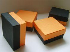 Ręcznie wykonane pudełko na prezent. Małe pudełko można wykorzystać jako pudełko na bieliznę, pudełko na apaszkę. Profesjonalna produkcja, doskonała jakość. Container, Canisters