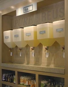 zero waste shop pump dispensers for soaps and detergents Bulk Store, Eco Store, Zero Waste Grocery Store, Laundry Business, Laundry Shop, Bulk Food, Store Displays, Shop Interiors, Sustainable Living