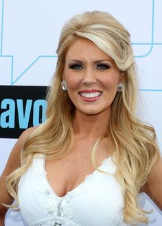 Kind of wish my hair would do this  Gretchen Rossi
