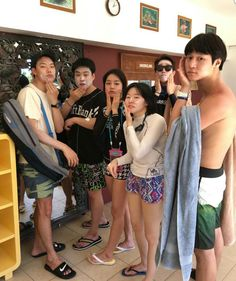 Lol, sunscreen sessions with the Ssammongdong kids, lol Noeul Korean Drama Best, Korean Drama Quotes, Ryu Joon Yeol, Go Kyung Pyo, Best Kdrama, Hyeri, Drama Fever, Love Scenes, Korean Entertainment