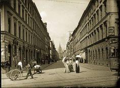 Die Landwehrstraße. 1905 von der Sonnenstraße aus aufgenommen. Foto: Volk Verlag/Stadtarchiv München