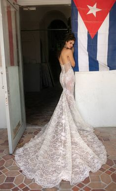 BERTA Bridal Spring 2019 Collection - The Wedding Notebook magazine Miami Wedding, Summer Wedding, Autumn Wedding, Wedding Bride, Wedding Gowns, Wedding Ideas, Lace Wedding, Wedding Planning, Wedding Inspiration