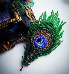 Автор @natalia_lipatnikova_ 〰〰〰〰〰〰〰〰〰〰〰〰〰〰 По всем вопросам обращайтесь к авторам изделий!!! #ручнаяработа #брошьизбисера #брошьручнойработы #вышивкабисером #мастер #бисер #handmade_prostor #handmadejewelry #brooch #beads #crystal #embroidery #swarovskicrystals #swarovski #купитьброшь #украшенияручнойработы #handmade #handemroidery #брошь #кольеручнойработы #кольеизбисера #браслеты #браслетручнойработы #сутажныеукрашения #сутаж #шибори #полимернаяглина #украшенияизполимернойглины
