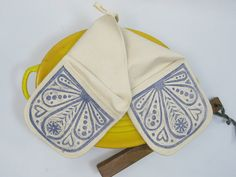 Cozy Oven Mitts by Alex and Olga Karpman on Etsy