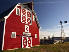 I love Red barn, it makes me feel so relaxing to be around the red barn.