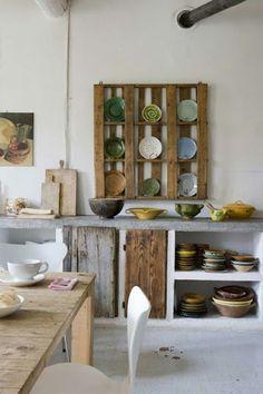 Europaletten recyceln – DIY Möbel aus Holzpaletten - Europaletten recyceln regale küche teller rustikal